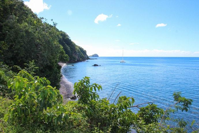 Dominica Champagne Reef beach
