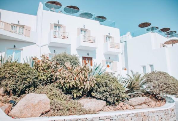 the george hotel mykonos reviews