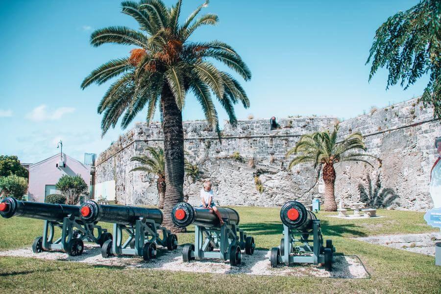 best things to do in Hamilton Bermuda - Fort Hamilton