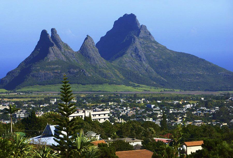 trois mamelles mountain hiking trail mauritius