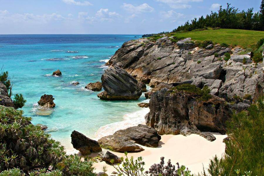 non touristy things to do in bermuda - astwood cove