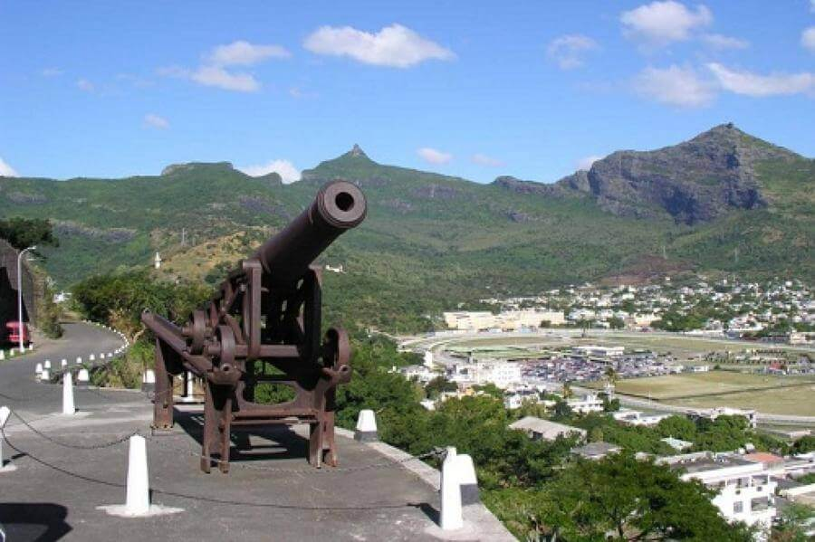 Best Non-touristy Things to do in Mauritius - Citadel Fort