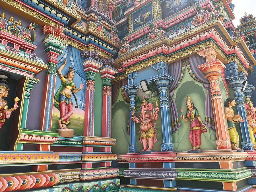 Best Non-touristy Things to do in Mauritius - Hindu temple