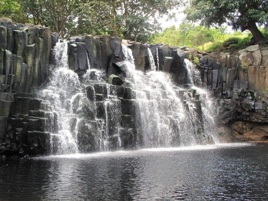 Best Non-touristy Things to do in Mauritius - Rochester Falls