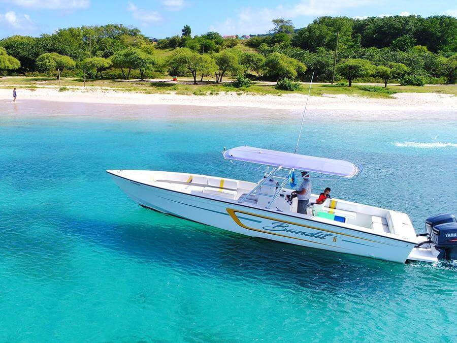 Best Non-touristy Things to do in St Lucia - Rodney Bay boat rental